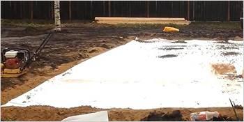 Геотекстиль не даст песку смешаться с щебнем