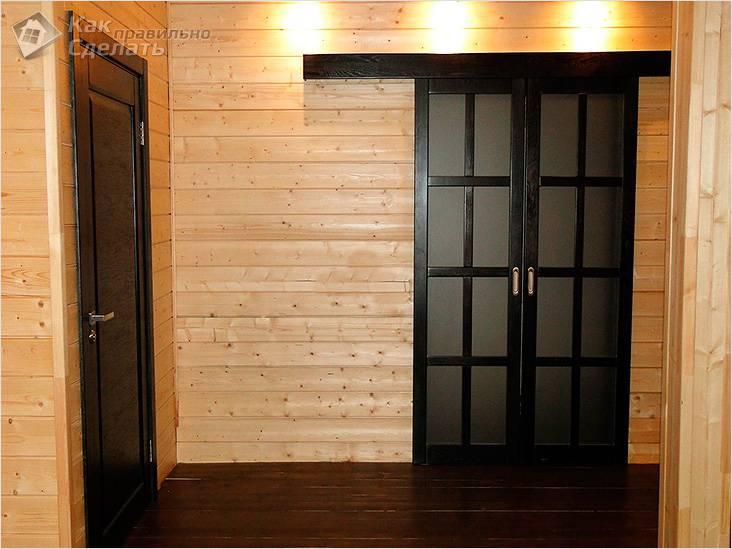 Двери купе в деревянном доме