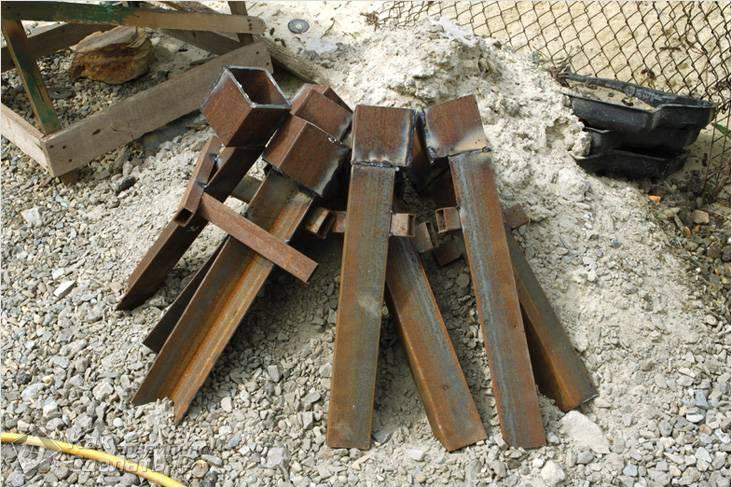 Стаканы под деревянные столбы