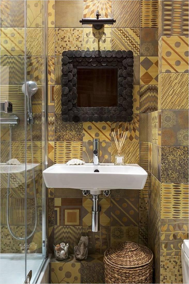 Маленькая ванная в стиле этно