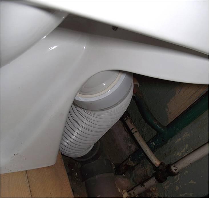 Низко расположена канализационная труба