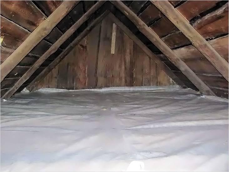 Утепление потолка снижает тепловые потери