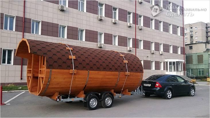 Большая баня-бочка на колесах