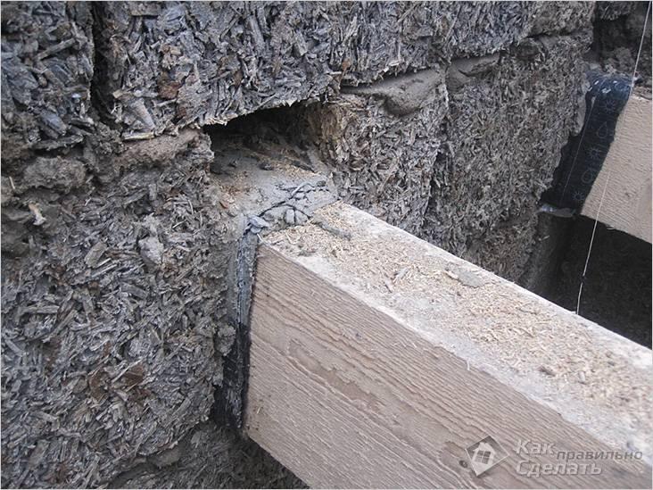 Балки перекрытия в стене из арболита