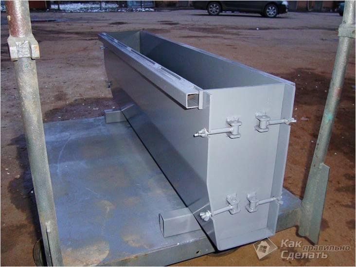 Форма для изготовления бетонных бордюров