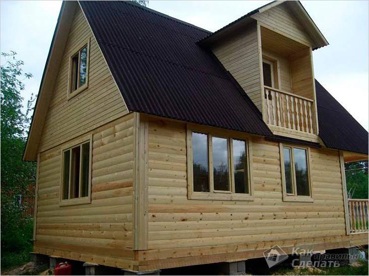 Двускатная крыша деревянного дома