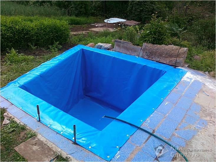 Бассейн из ПВХ, установленный в бетонную чашу