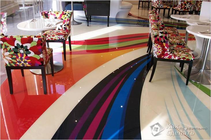 Разноцветный пол в кафе