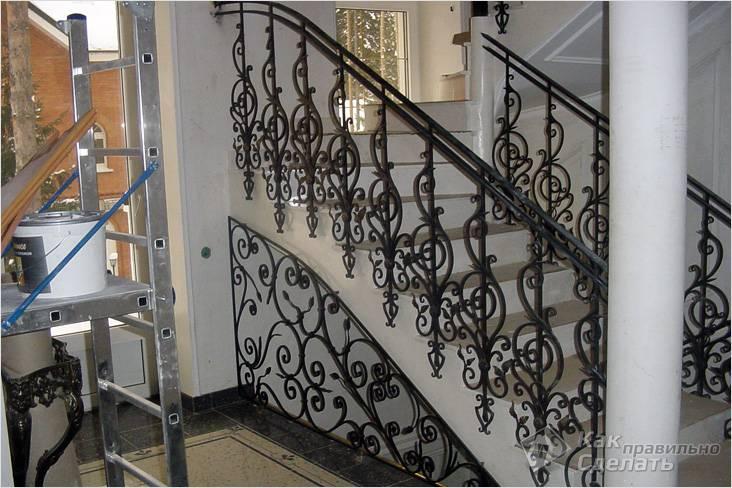 Как сделать перила для лестницы - ограждения из дерева и металла ( фото)