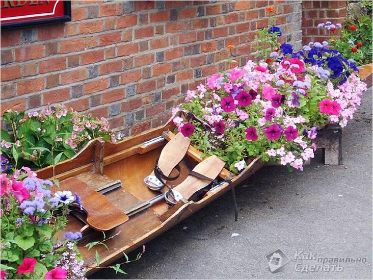 Цветущая лодка