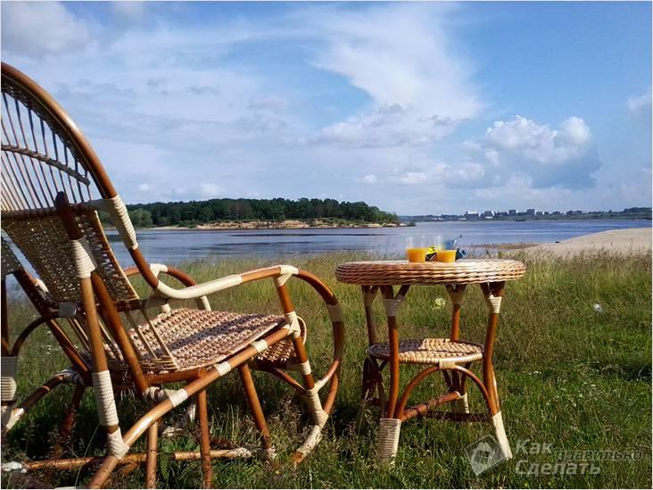 Плетеные кресло и столик для дачи