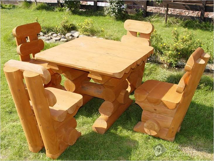 Садовая мебель виде срубных конструкций