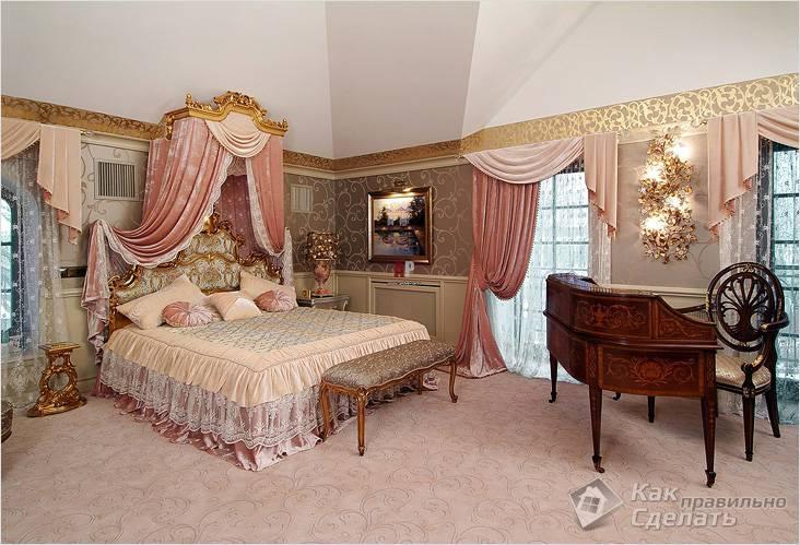 Светлый ковер в спальне