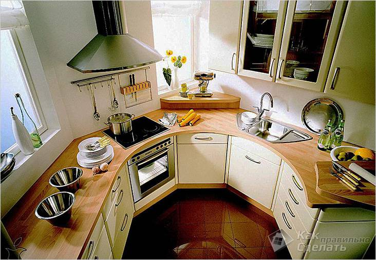 Мебель для маленькой кухни должна иметь вместительные ящики