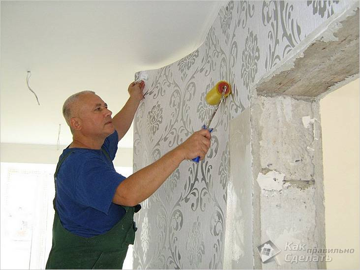 Оклейка стен флизелиновыми обоями своими руками