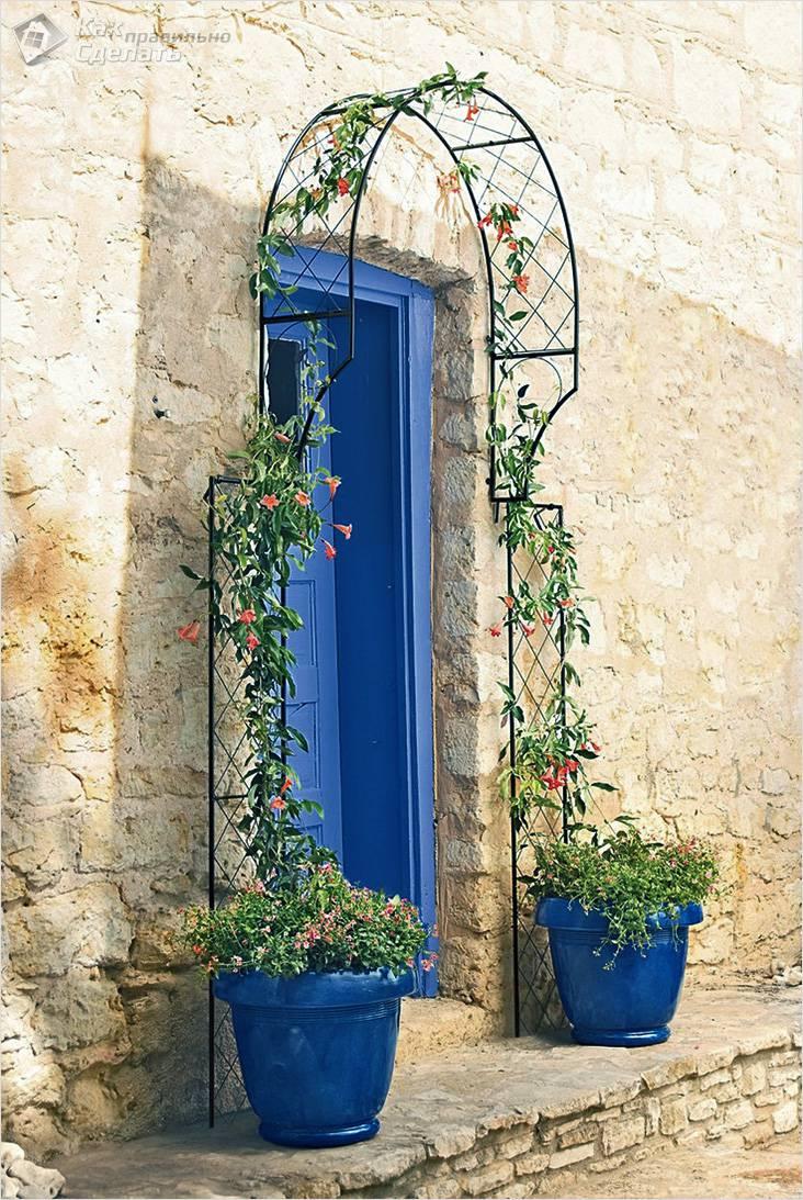 Арка над входной дверью