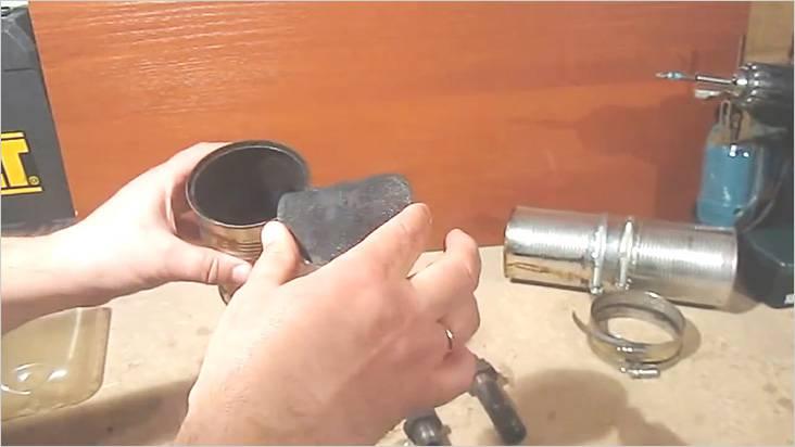 Щиток защитит дымоходный канал от попадания в него опилок
