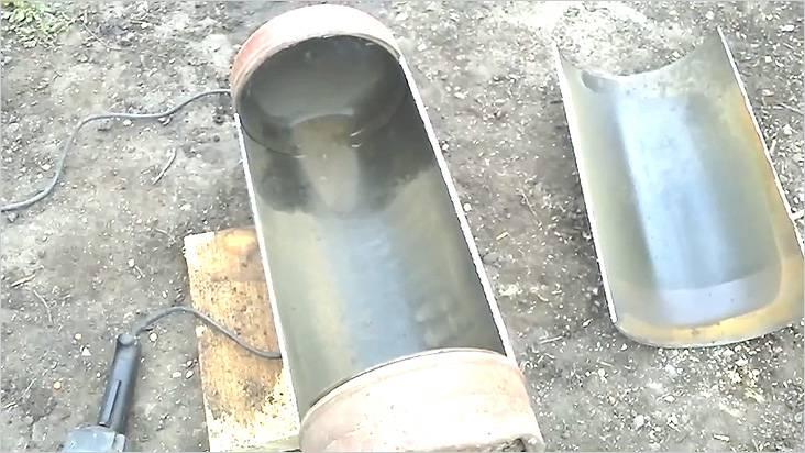 Резать нужно недалеко от швов, где металл более тонкий