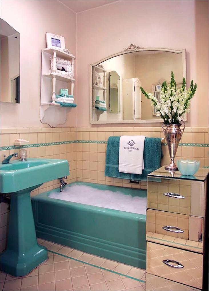 Бирюзовый цвет в ретро стиле ванной