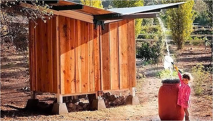 Благодаря такой крыше можно легко собирать дождевую воду