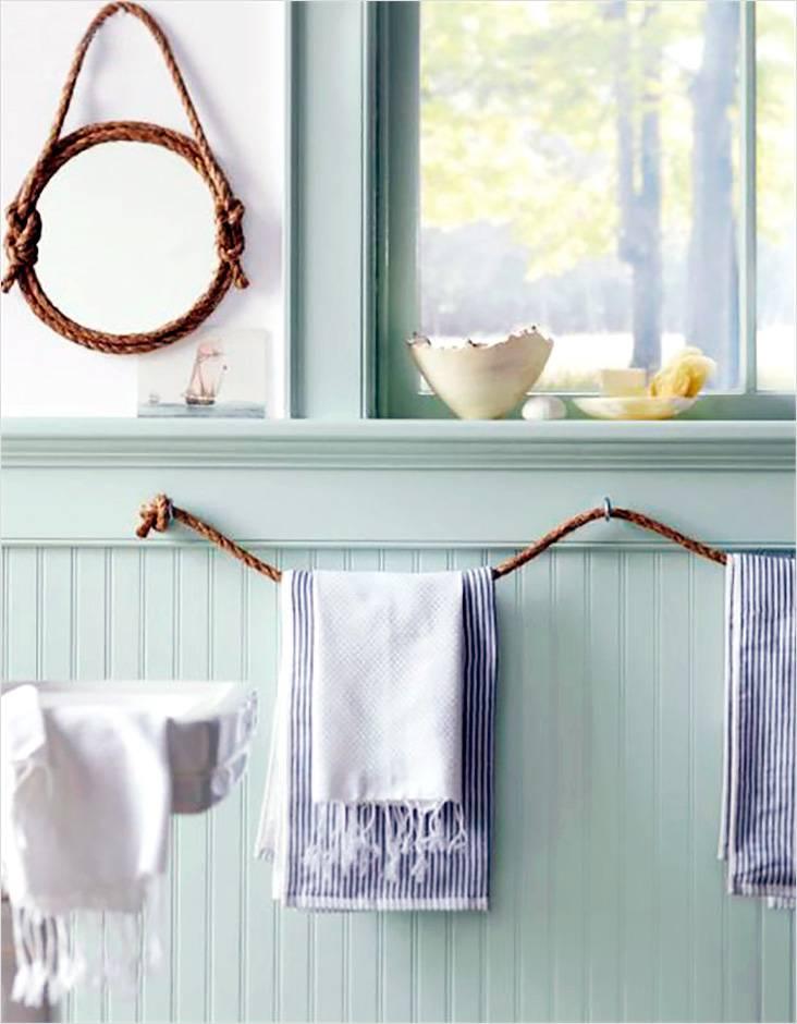 Элементы интерьера в ванной, выполненной в морском стиле