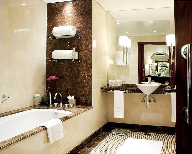 Мрамор в современном стиле небольшой ванной