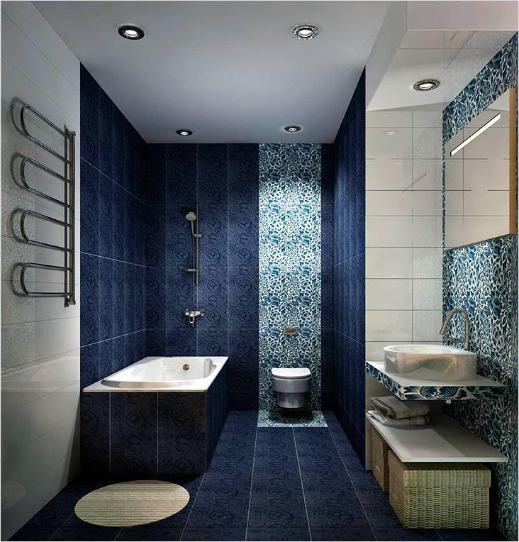 Синий цветочный принт в интерьере ванной в современном стиле
