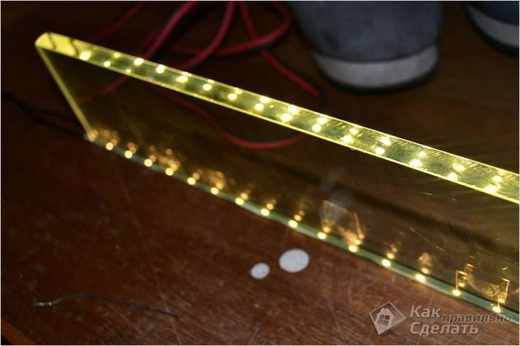 Торцевая подсветка стеклянной полки