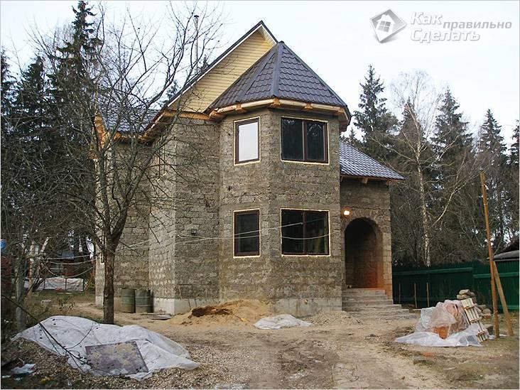 Дом из арболита сложной конструкции
