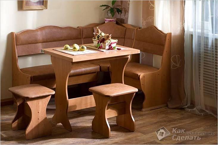 Мебель и табуреты сделаны из ЛДСП