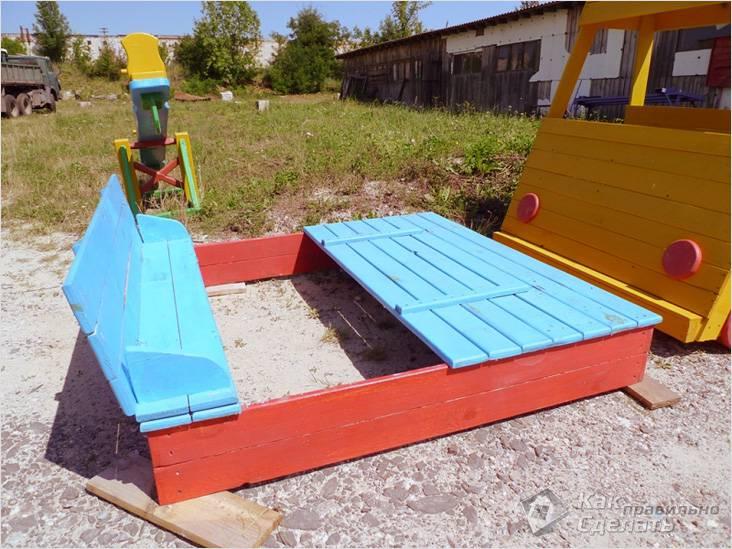 Песочница с удобной крышкой-скамейкой
