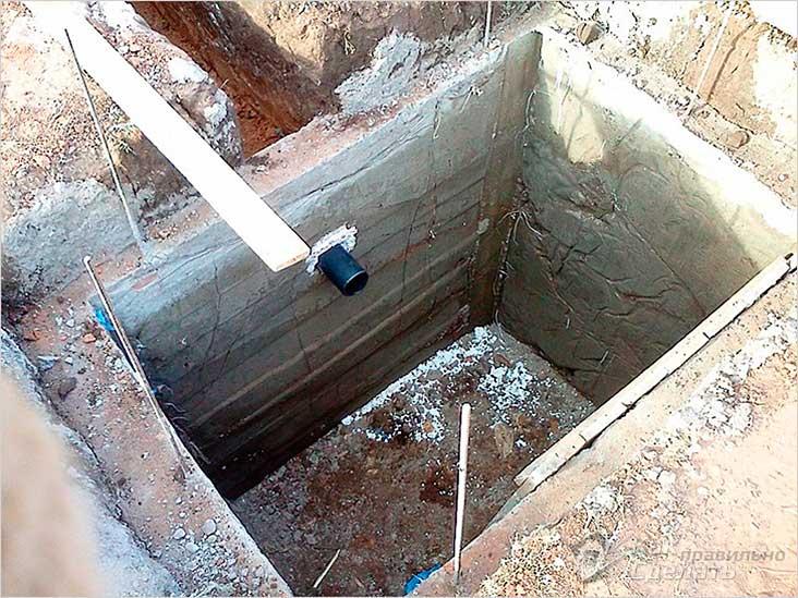 Бетонная выгребная яма
