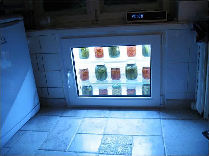 Хрущевский холодильник с подсветкой