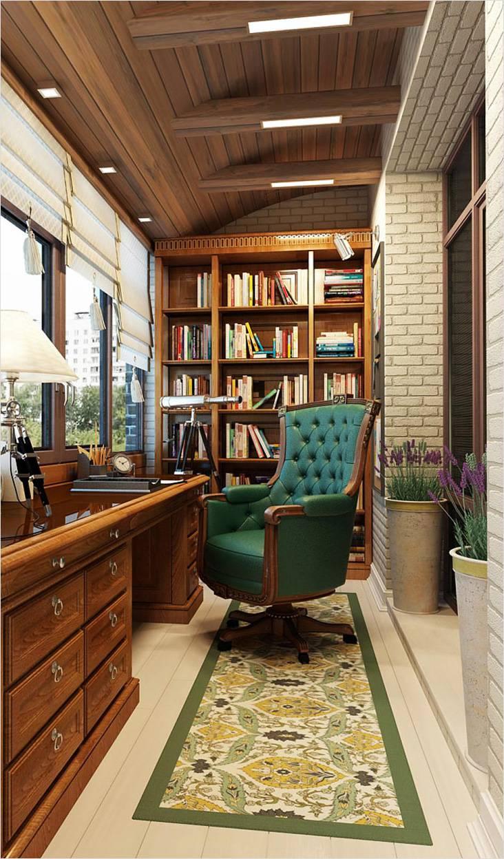Кабинет и библиотека на балконе в классическом стиле