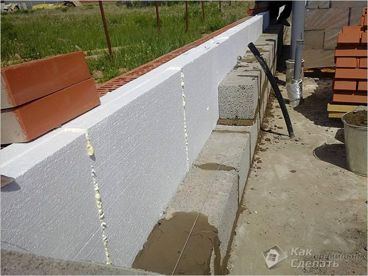 Кладка стен с утеплителем