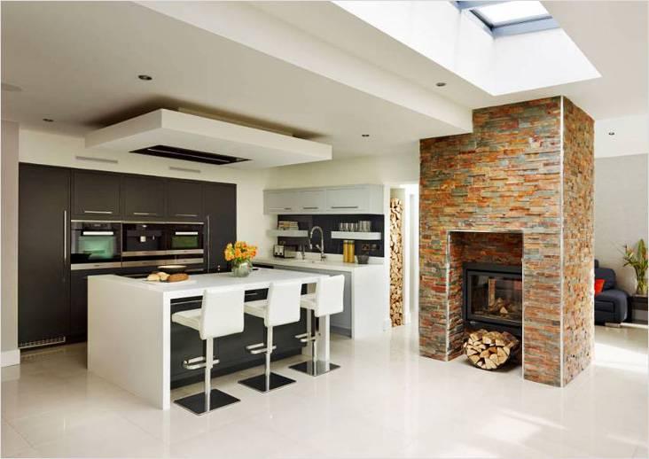 Многоуровневая конструкция на кухне