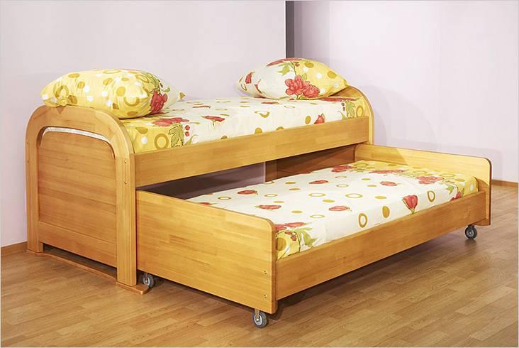 Кровать с выдвижной частью