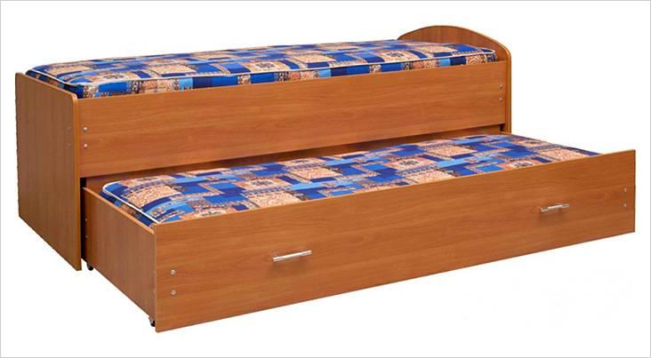 Кровать из ДСП с выдвигающейся частью