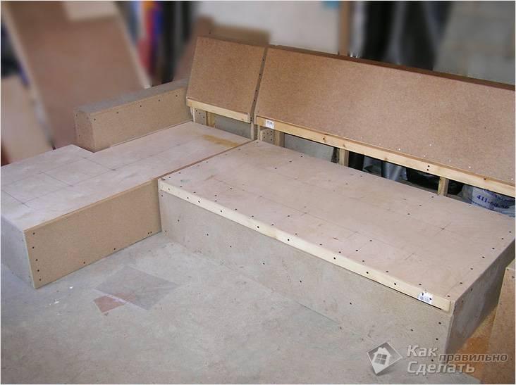 Каркасный угловой диван