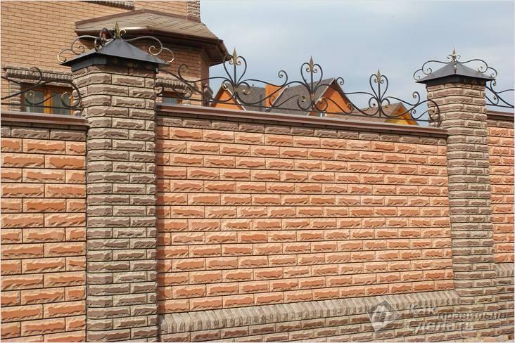 Забор из кирпича своими руками закладка фундамента возведение простенка фото видео