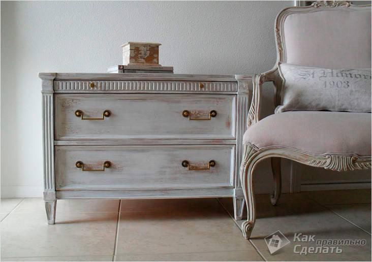 Потертая мебель