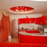 Красный-натяжной-потолок-в-кухне_новый размер