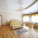 стиль рококо в спальне