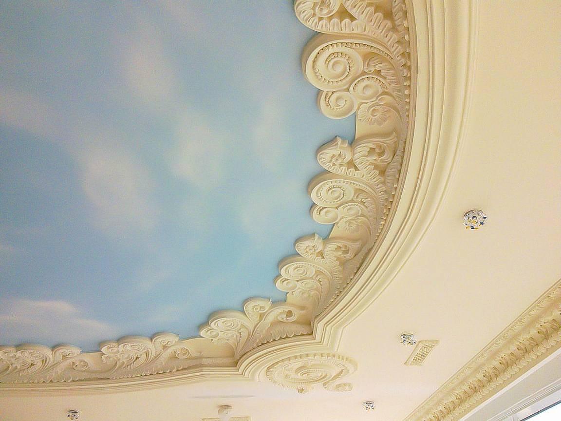 оформление потолка в стиле рококо