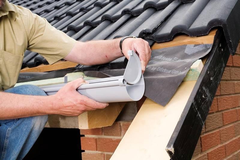 Как правильно выбрать материал и установить отлив на крыше: подробная инструкция