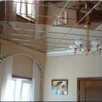Зеркальный-потолок-в-комнате_новый размер
