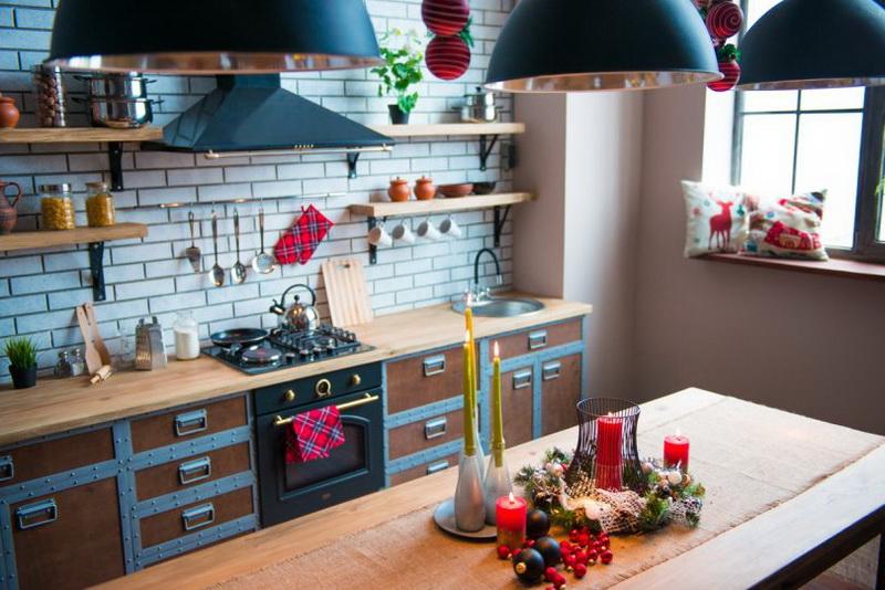 Как украсить кухню в квартире студии на Новый 2020 год
