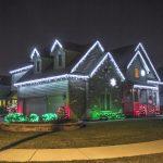 Дом-оформленный-светодиодными-гирляндами