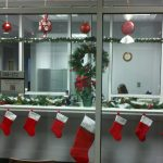 29-office-christmas-decoration-ideas-themes-office-christmas-1000-images-about-Office-Christmas-on-Pinterest-Snow-Offices-and-Christmas-decorations